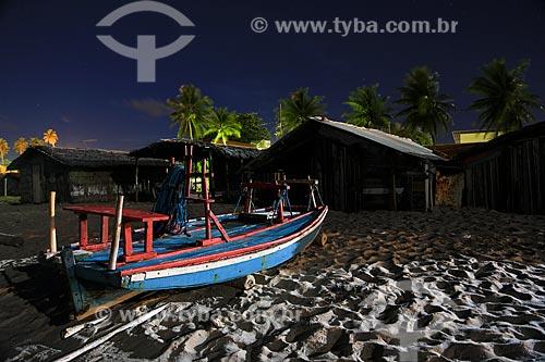 Assunto: Casa utilizada por pescadores para guardar o material de pesca e na Praia de Pitimbu / Local: Pitimbu - Paraíba (PB) - Brasil / Data: 01/2013
