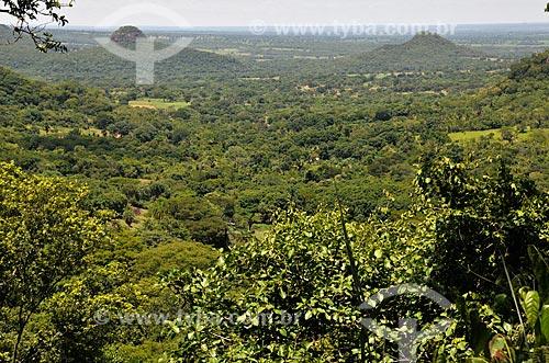 Assunto: Morro do Chapéu - à esquerda - na Serra de Maracaju / Local: Aquidauana - Mato Grosso do Sul (MS) - Brasil / Data: 01/2013