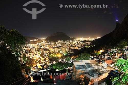 Assunto: Vista do bairro de Botafogo, parte da Favela Santa Marta com Cristo Redentor ao fundo / Local: Rio de Janeiro (RJ) - Brasil / Data: 02/2012