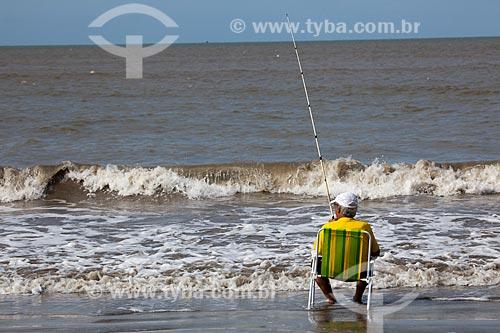 Assunto: Pescador na Praia de Costinha / Local: Lucena - Paraíba (PB) - Brasil / Data: 02/2013