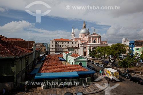 Assunto: Praça Dom Vital com Mercado de São José (1835) e Basílica de Nossa Senhora da Penha (1882) ao fundo / Local: Recife - Pernambuco (PE) - Brasil / Data: 02/2013