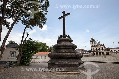 Assunto: Cruzeiro com o Convento e Igreja de São Francisco (1588) no Centro Cultural São Francisco ao fundo / Local: João Pessoa - Paraíba (PB) - Brasil / Data: 02/2013