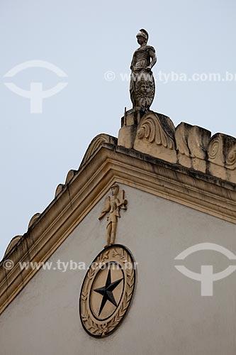 Assunto: Detalhes da fachada do Teatro Minerva (1859) / Local: Areia - Paraíba (PB) - Brasil / Data: 02/2013