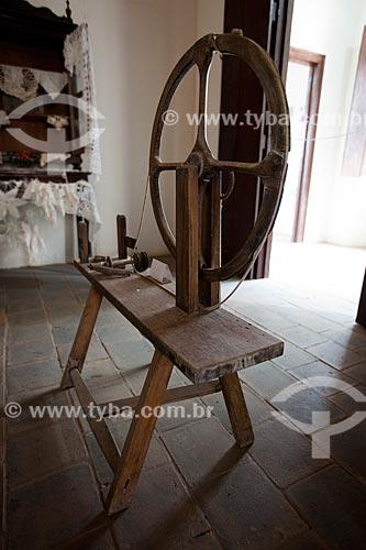 Assunto: Roca utilizada para fiar algodão - em exibição no Museu do Brejo Paraibano - também conhecido como Museu da Rapadura - da Universidade Federal da Paraíba / Local: Areia - Paraíba (PB) - Brasil / Data: 02/2013