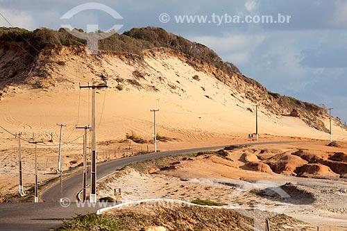Assunto: Avenida Antônio Florêncio e dunas próximo à Praia de Cacimbinhas / Local: Distrito de Pipa - Tibau do Sul - Rio Grande do Norte (RN) - Brasil / Data: 03/2013