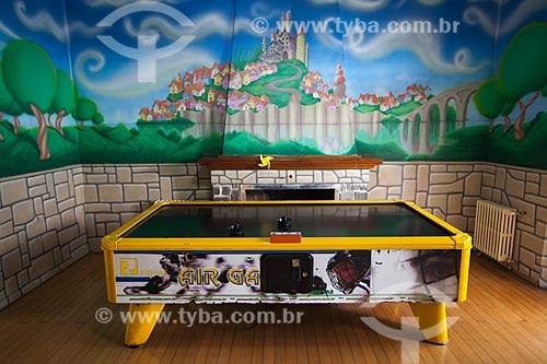 Assunto: Mesa de Air hockey (Hóquei de ar) na sala de jogos do Hotel Continental / Local: Canela - Rio Grande do Sul (RS) - Brasil / Data: 04/2013