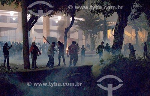 Assunto: Confronto entre manifestantes do Movimento Passe Livre com as forças de segurança na Avenida Presidente Vargas / Local: Centro - Rio de Janeiro (RJ) - Brasil / Data: 06/2013