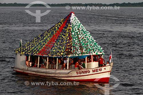 Assunto: Barco decorado durante a tradicional Procissão Fluvial de São Pedro / Local: Manaus - Amazonas (AM) - Brasil / Data: 06/2013