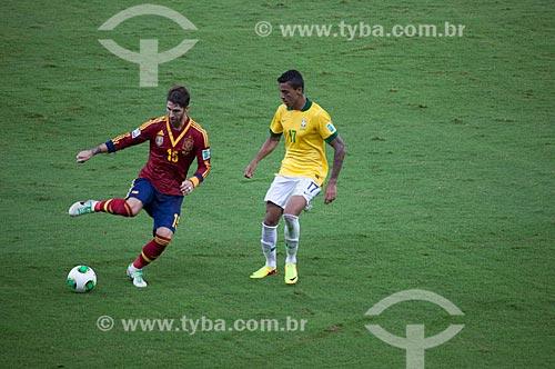 Jogadores Ramos e Luis Gustavo durante o jogo entre Brasil x Espanha pela final da Copa das Confederações no Maracanã  - Rio de Janeiro - Rio de Janeiro - Brasil