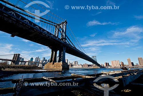 Assunto: Ponte de Manhattan (1909) com a Ponte do Brooklyn (1883) ao fundo / Local: Nova Iorque - Estados Unidos da América - EUA / Data: 01/2013