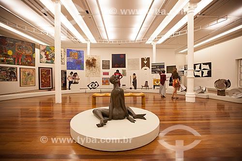 Assunto: No centro a escultura da artista Maria Martins na Exposição O Colecionador - Arte Brasileira e Internacional na Coleção Boghici -  no Museu de Arte do Rio (MAR) / Local: Centro - Rio de Janeiro (RJ) - Brasil / Data: 07/2013