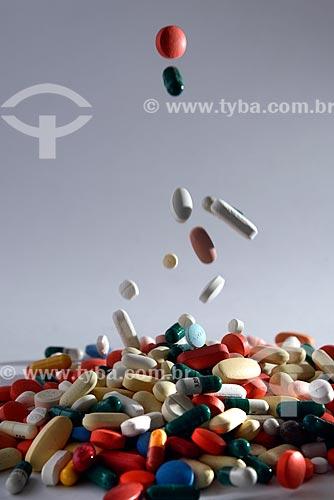 Assunto: Comprimidos / Local: Estúdio / Data: 04/2013