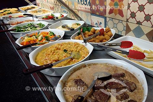 Assunto: Comida em restaurante self service / Local: Armação dos Búzios - Rio de Janeiro (RJ) - Brasil / Data: 05/2013