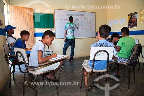 Assunto: Sala de aula de Escola Estadual Indígena da etnia Kapinawá na aldeia ou comunidade Batinga - Imagem licenciada -  ACRÉSCIMO DE 100% SOBRE O VALOR DE TABELA / Local: Buíque - Pernambuco (PE) - Brasil / Data: 06/2013