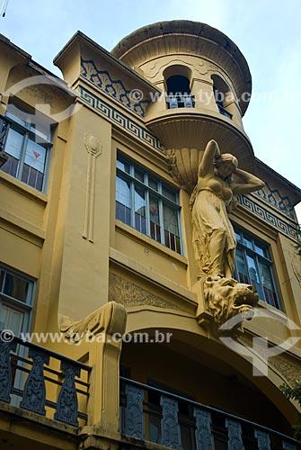 Assunto: Fachada de prédio antigo na Rua dos Andradas / Local: Centro - Porto Alegre - Rio Grande do Sul (RS) - Brasil / Data: 07/2013