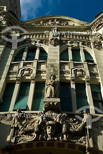 Assunto: Fachada do antigo prédio da Previdência do Sul (1913), atual Banco Safra / Local: Porto Alegre - Rio Grande do Sul (RS) - Brasil / Data: 07/2013