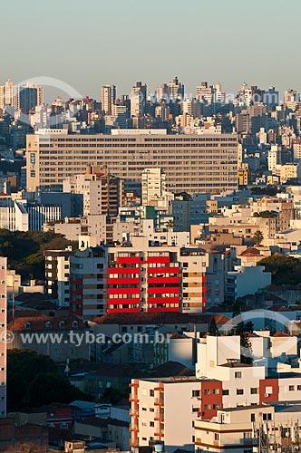 Assunto: Vista geral dos prédios no cidade de Porto Alegre com o Hospital das Clínicas de Porto Alegre / Local: Centro - Porto Alegre - Rio Grande do Sul (RS) - Brasil / Data: 07/2013