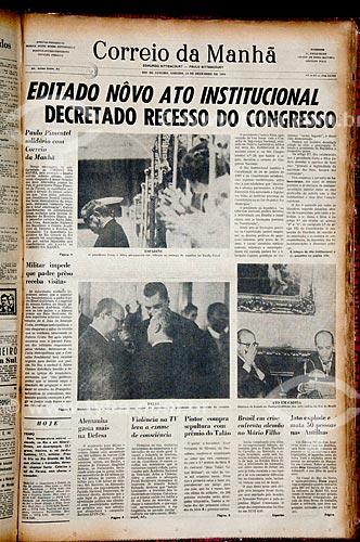 Assunto: Capa do jornal Correio da Manhã de 14 de Dezembro de 1968 - Reprodução acervo Fundação Biblioteca Nacional / Local: Rio de Janeiro (RJ) - Brasil / Data: 08/2011