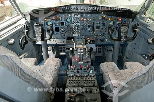 Assunto: Painel de comando do Boeing 737 - utilizado como avião presidencial - em exposição no Museu Aeroespacial / Local: Campo dos Afonsos - Rio de Janeiro (RJ) - Brasil / Data: 08/2012
