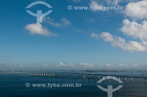 Assunto: Vista da Ponte Rio-Niterói (1974) / Local: Rio de Janeiro (RJ) - Brasil / Data: 08/2012