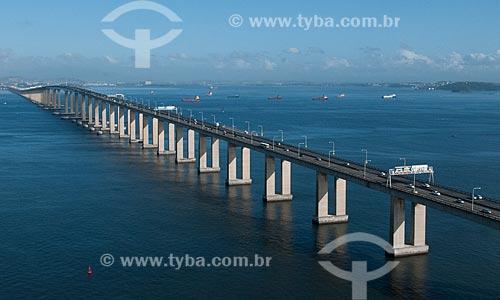 Assunto: Vista aérea da Ponte Rio-Niterói (1974) / Local: Rio de Janeiro (RJ) - Brasil / Data: 08/2012
