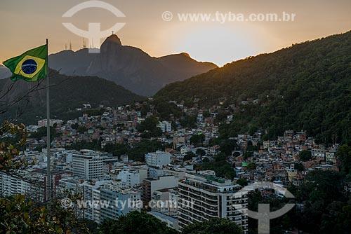 Assunto: Pôr do sol no Morro Chapéu Mangueira visto a partir do Forte Duque de Caxias - também conhecido como Forte do Leme / Local: Leme - Rio de Janeiro (RJ) - Brasil / Data: 07/2013