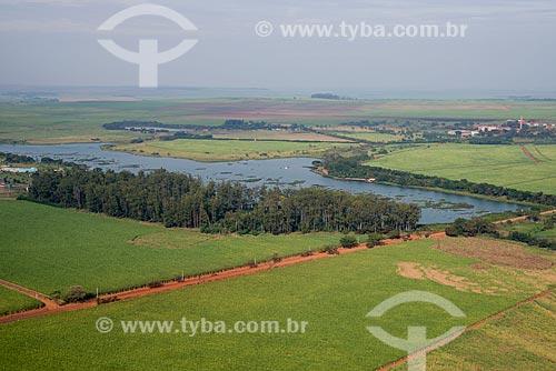 Assunto: Lago do Parque Ecológico e de Lazer Gustavo Simione com a Fazenda São Geraldo ao fundo / Local: Sertãozinho - São Paulo (SP) - Brasil / Data: 05/2013