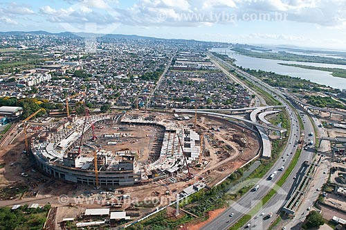 Assunto: Vista aérea da construção da Arena do Grêmio (2012) com o Delta do Jacuí ao fundo / Local: Humaitá - Porto Alegre - Rio Grande do Sul (RS) - Brasil / Data: 01/2012
