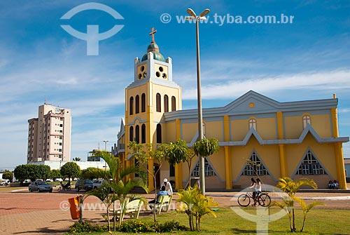 Assunto: Fachada da Paróquia Nossa Senhora Aparecida (1992) / Local: Luis Eduardo Magalhães - Bahia (BA) - Brasil / Data: 07/2013