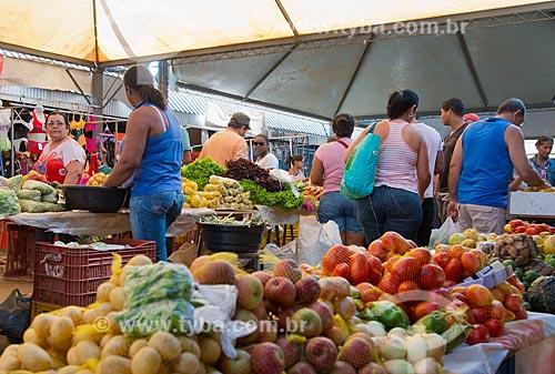 Assunto: Mercado Cultural Caparrosa (Mercado Municipal) - setor de frutas e legumes / Local: Barreiras - Bahia (BA) - Brasil / Data: 07/2013