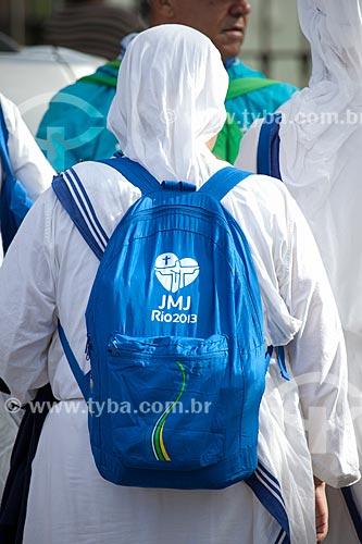 Assunto: Freira da congregação Missionárias da Caridade com mochila da Jornada Mundial da Juventude (JMJ) / Local: Rio de Janeiro (RJ) - Brasil / Data: 07/2013