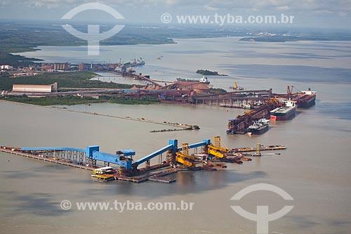 Assunto: Vista aérea do Terminal Portuário de Ponta da Madeira, porto privado pertencente à Vale do Rio Doce, localizado no Complexo Portuário de Itaqui / Local: São Luis - Maranhão (MA) - Brasil / Data: 06/2013