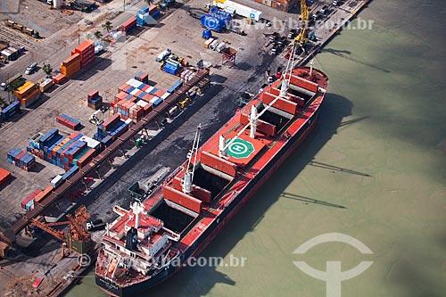 Assunto: Vista aérea de navio atracado no Porto de Itaqui / Local: São Luis - Maranhão (MA) - Brasil / Data: 06/2013
