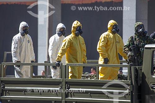 Soldados do Batalhão de Defesa Química, Biológica, Radiológica e Nuclear do Exército Brasileiro durante o desfile em comemoração ao Sete de Setembro na Avenida Presidente Vargas  - Rio de Janeiro - Rio de Janeiro - Brasil