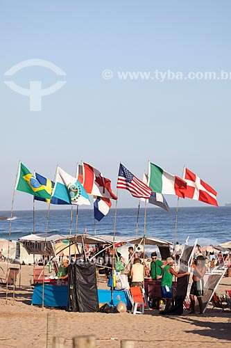 Assunto: Barraca de vendedor ambulante na Praia do Arpoador / Local: Ipanema - Rio de Janeiro (RJ) - Brasil / Data: 09/2013