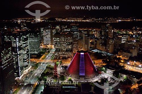 Assunto: Foto aérea da Catedral de São Sebastião do Rio de Janeiro (1979) com a Avenida República do Chile e os Arcos da Lapa (1750) / Local: Centro - Rio de Janeiro (RJ) - Brasil / Data: 04/2011