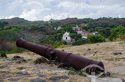Assunto: Canhão do Forte de Nossa Senhora dos Remédios com Vila dos Remédios ao fundo / Local: Arquipélago de Fernando de Noronha - Pernambuco (PE) - Brasil / Data: 10/2013