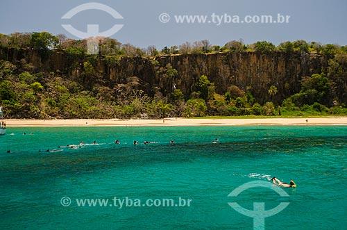 Assunto: Turistas mergulhando na Praia do Sancho / Local: Arquipélago de Fernando de Noronha - Pernambuco (PE) - Brasil / Data: 10/2013