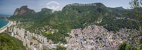 Assunto: Vista de parte da Favela da Rocinha e São Conrado com Pedra da Gávea ao fundo / Local: São Conrado - Rio de Janeiro (RJ) - Brasil / Data: 11/2013