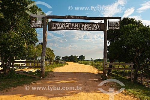 Assunto: Início do trecho da Rodovia Transpantaneira (MT-060) no Estrada Parque Pantanal / Local: Poconé - Mato Grosso (MT) - Brasil / Data: 11/2010