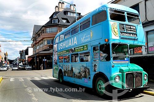 Assunto: Ônibus turístico da cidade de Ushuaia / Local: Ushuaia - Província Terra do Fogo - Argentina - América do Sul / Data: 01/2012