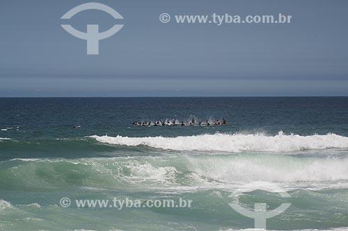 Assunto: Surfistas na Praia da Barra da Tijuca - homenagem ao surfista Roberto Casquinha / Local: Barra da Tijuca - Rio de Janeiro (RJ) - Brasil / Data: 11/2013