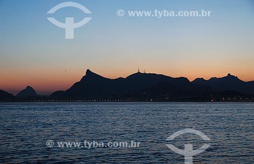 Assunto: Vista do Cristo Redentor (1931) durante a travessia entre Rio de Janeiro e Niterói / Local: Rio de Janeiro (RJ) - Brasil / Data: 11/2013