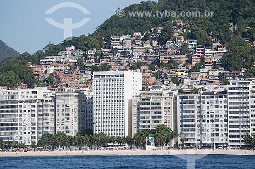 Assunto: Prédios na Praia do Leme com a Morro Chapéu Mangueira ao fundo / Local: Leme - Rio de Janeiro (RJ) - Brasil / Data: 11/2013