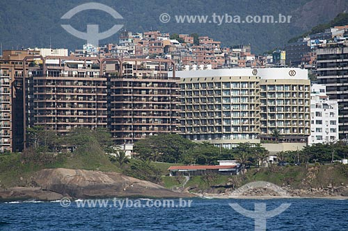 Assunto: Hotel Sofitel Rio de Janeiro com a favela do Cantagalo ao fundo / Local: Copacabana - Rio de Janeiro (RJ) - Brasil / Data: 11/2013