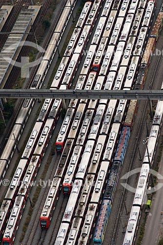 Assunto: Vista aérea de passarela e pátio de manutenção da CPTM na Estação Presidente Altino / Local: Osasco - São Paulo (SP) - Brasil / Data: 06/2013