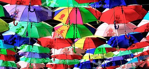Assunto: Guarda-chuvas utilizados como decoração no Dubai Miracle Garden / Local: Dubai - Emirados Árabes Unidos - Ásia / Data: 03/2013