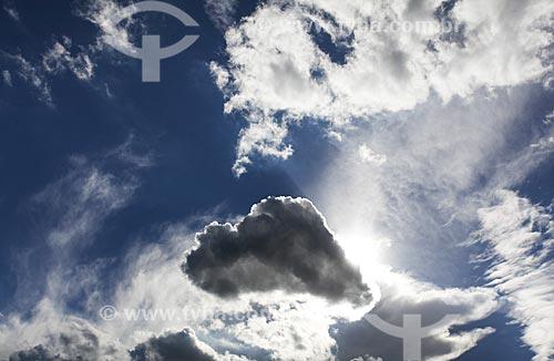 Assunto: Céu com nuvens / Local: Bananal - São Paulo (SP) - Brasil / Data: 11/2013