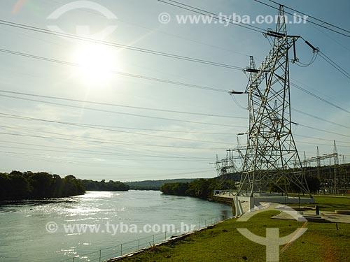 Assunto: Torres de transmissão da Usina Hidrelétrica de Furnas / Local: São José da Barra - Minas Gerais (MG) - Brasil / Data: 12/2013
