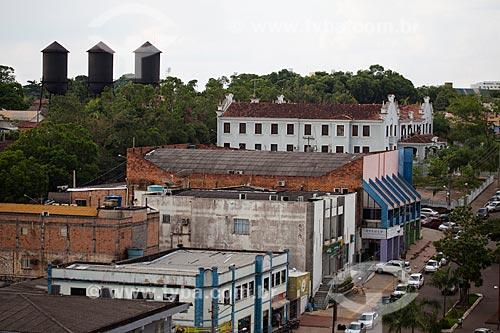 Assunto: Vista da Avenida Presidente Dutra com  prédio da Universidade Federal de Rondônia e Três Caixas Dagua e ao fundo / Local: Porto Velho - Rondônia (RO) - Brasil / Data: 10/2013